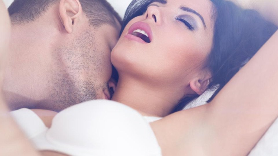 只需0.2秒!令男性「忍不住想馬上想親熱」的秘訣