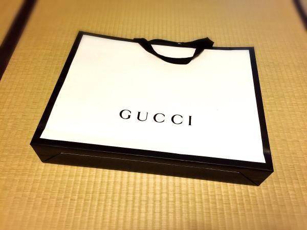 世上最貴嘅2.6萬円GUCCI紙扇真係有人買!收到後原來…….