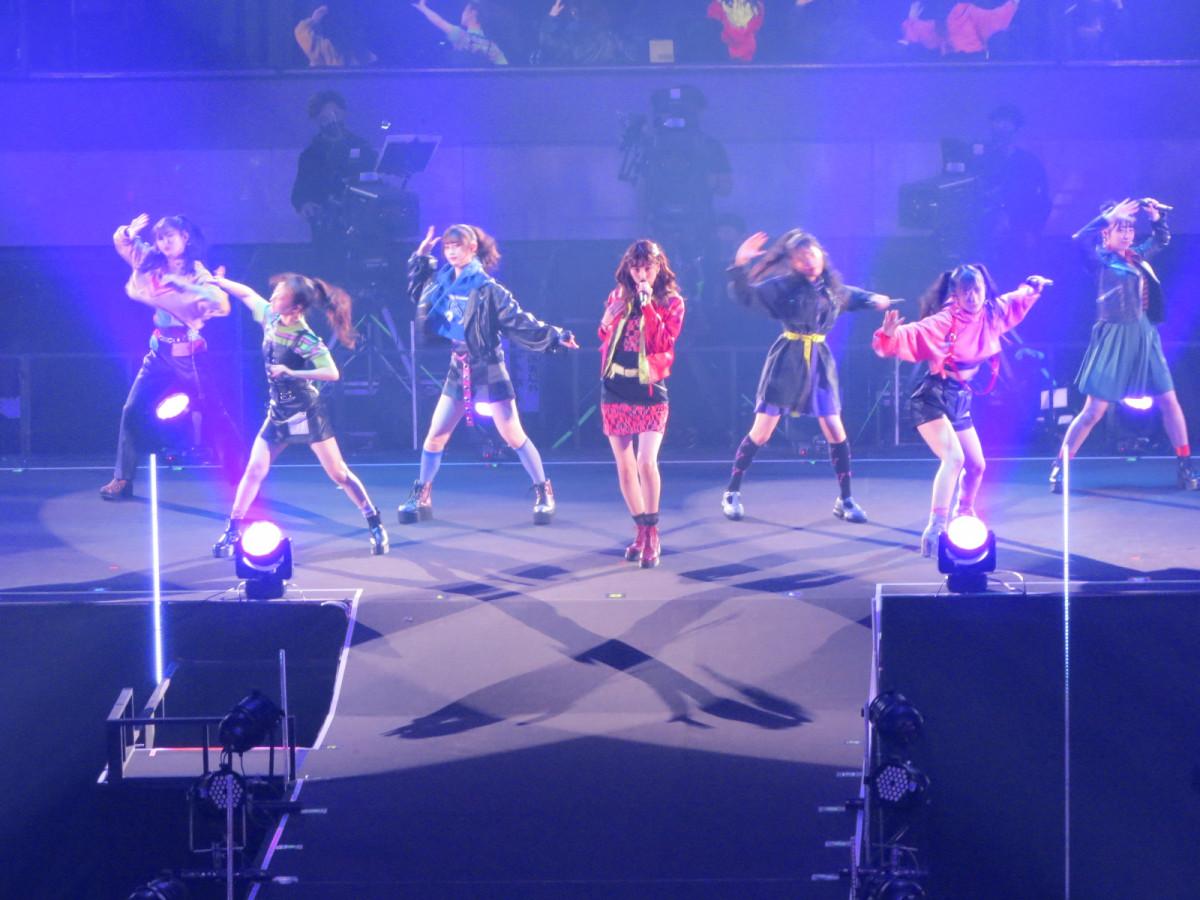 NMB48十週年演唱會感動盛況 畢業成員回歸表演 隊長小嶋花梨:「總有一日我們會站上大阪巨蛋的舞台」